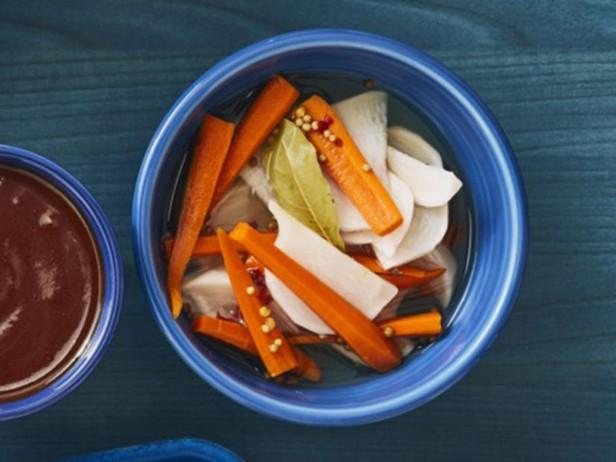 Маринованная репа с морковью