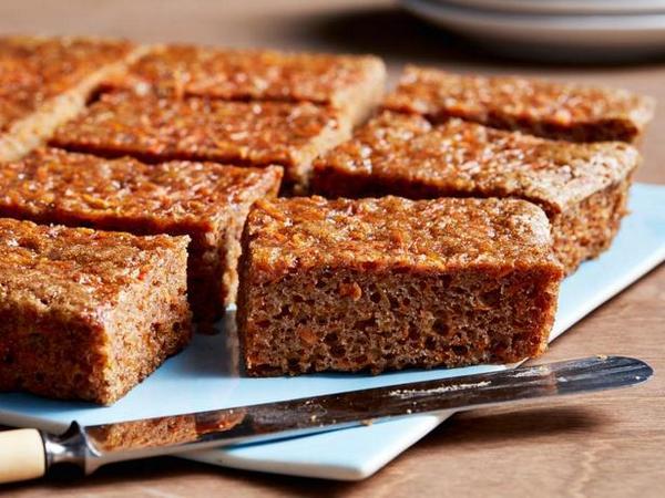 Как приготовить идеальный морковный пирог: 8 советов от Бадди Валастро
